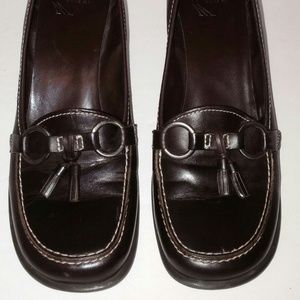 White Mountain 8 Brown Leather Loafers Pumps